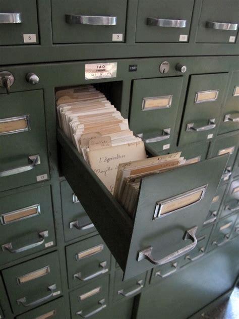 File:Istituto agronomico per l'oltremare, int., biblioteca