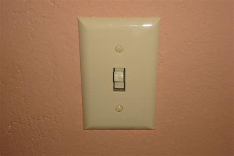 one way light switch how to wire a one way light switch ehow uk