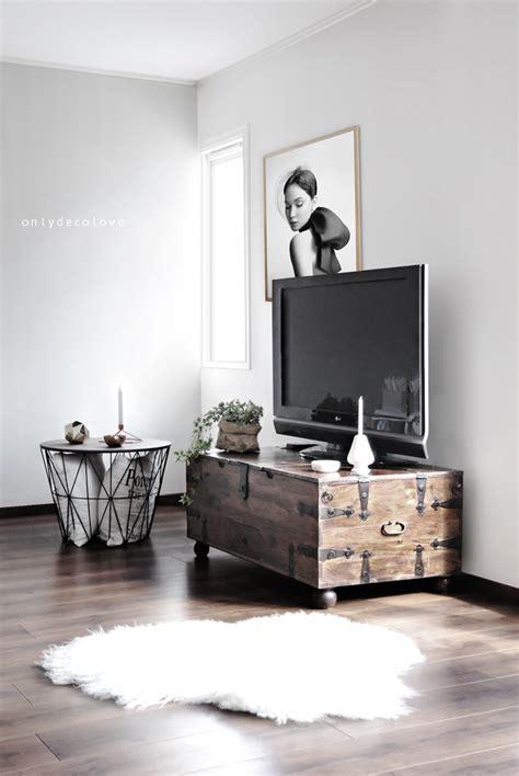 oude kist als salontafel oude houten dekenkist als tv meubel salontafel draadmand