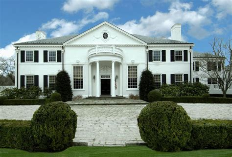 how many houses does donald donald s former home on the market for 54 million