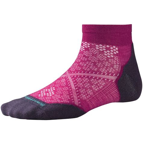 smartwool run light elite smartwool phd run light elite low cut sock women s