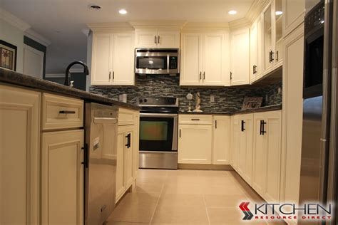 42 Inch Kitchen Cabinets by 42 Inch Kitchen Cabinets With Molding And Without