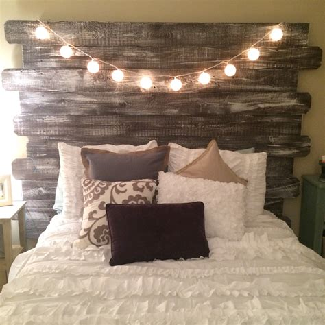 Whitewashed Rustic Headboard Made From Fenceposts Better A Rustic Headboard