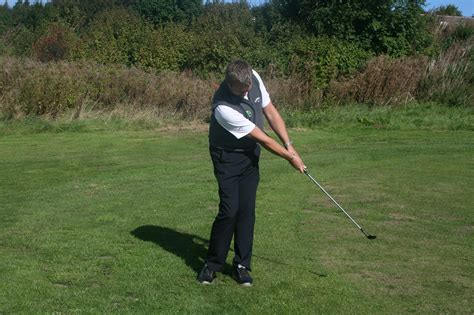timing in golf swing golf swing follow through drill 28 images golf swing