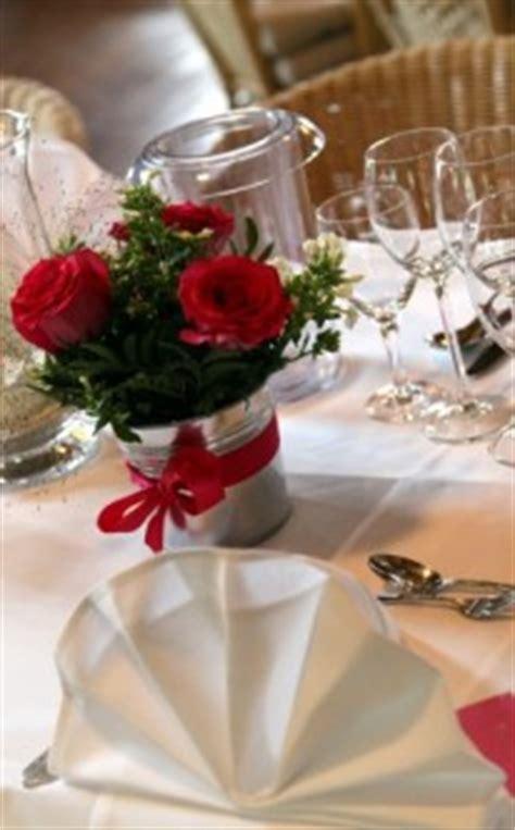Tischdeko Für Hochzeitstische by Tischdekoration Zur Hochzeit Sch 246 Ne Ideen F 252 R Die
