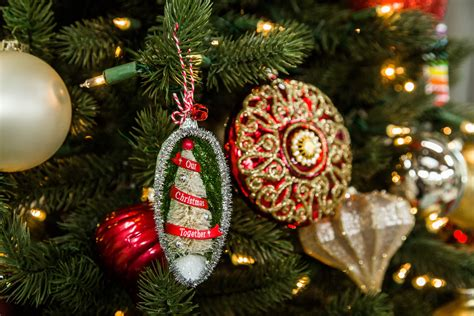 christmas  festive tree ornament countdown  christmas keepsake ornament