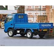 Toyota Dyna 300 UK Spec 1999–2002 Images 1280x960