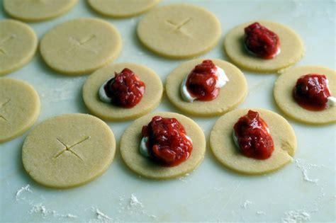 Sehr Dünne Bettdecke by Rhubarb Strawberry Cheesecake Pies Mini Pies Usa