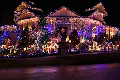 beautifully decorated homes for christmas 23 most beautifully decorated for christmas season