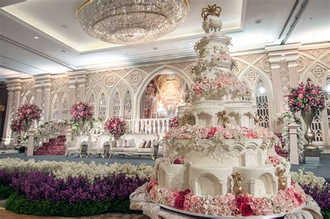 World's most extravagant wedding cakes for budget busting brides   Storytrender