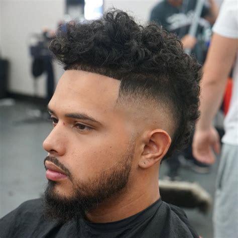 hombre hairstyles degradado hombre pelo afro l 237 neas rectas mucho volumen