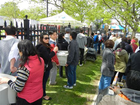thousands   yorkers recycle electronics   citys