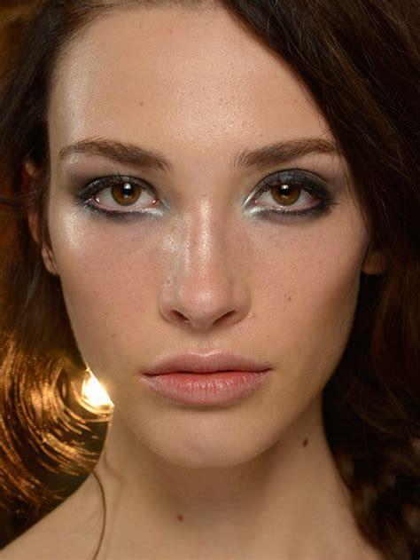 spring 2015 makeup for brown skin runway beauty smoky eye at marissa webb spring summer
