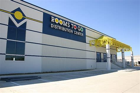 exterior photo of rooms to go distribution center from