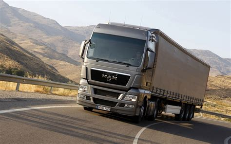 Trucker M truck test drive 1440x900 autoguide news