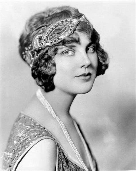names of hair styles in 1920s flapper accessories never go out of style flapper