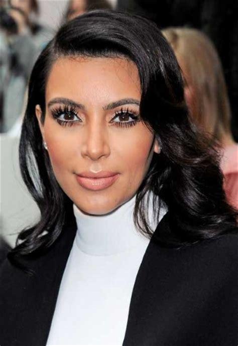 what kind of eyelashes does lisa robertson wear kim kardashian fashion galleries telegraph