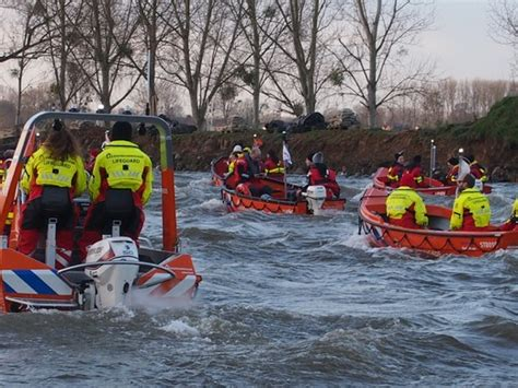 junior vaarbewijs serious rescue voor serious request 30 000 00 euro de