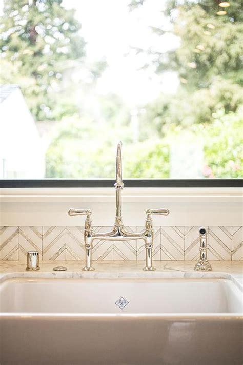 silver kitchen backsplash tile white and silver herringbone tile backsplash