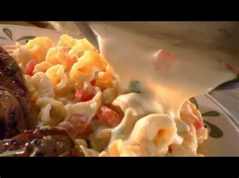 molly culver in tv commercial for olive garden restaurant 2009 olive garden commercial doovi