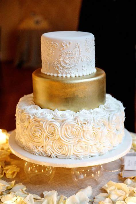 Best 25  Gold wedding cakes ideas on Pinterest