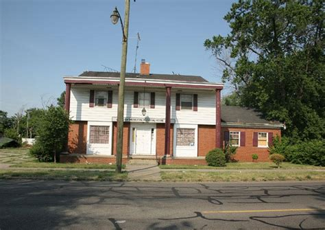 detroit mi former funeral memorial home no back taxes