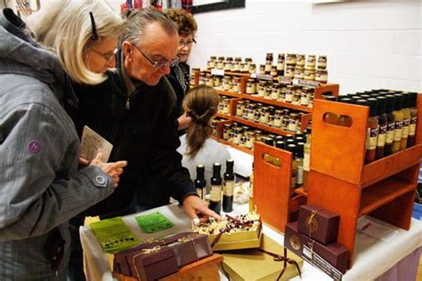 hundreds expected at weekend riverside craft show in