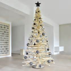 die besten 25 weihnachtsbaum holz ideen auf pinterest