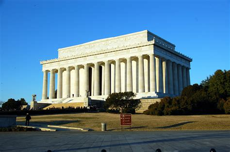 Lincoln Memorial Mba Tuition by Lincoln Memorial Free Stock Photo The Outside Of The