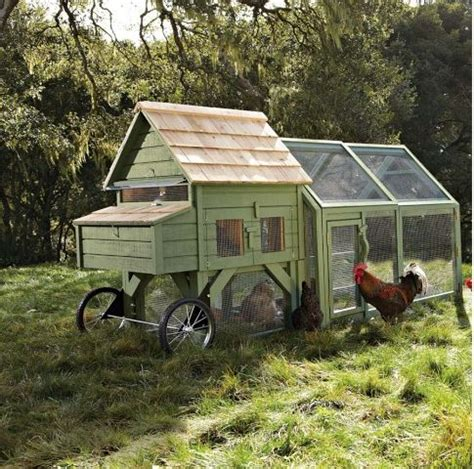mobile chicken coop portable backyard chicken coop chickens