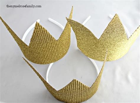 How To Make A Paper King Crown - favors for diy crown the family