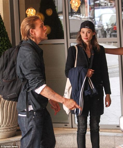 àstrid bergès frisbey and charlie hunnam charlie hunnam spotted with spanish actress astrid berg 232 s