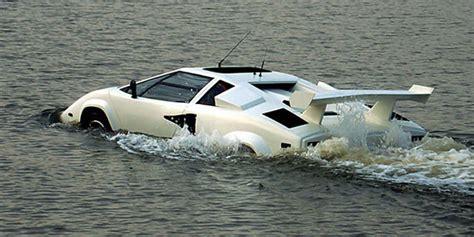 La Amphiborghini   une Lamborghini Countach amphibie à
