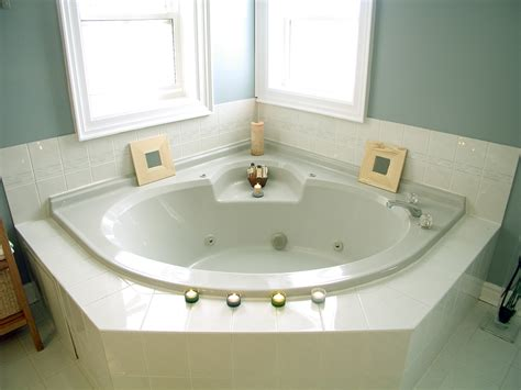 bathtubs types how to choose bathtubs for small spaces home design ideas