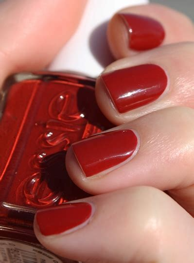 essie well red nail polish