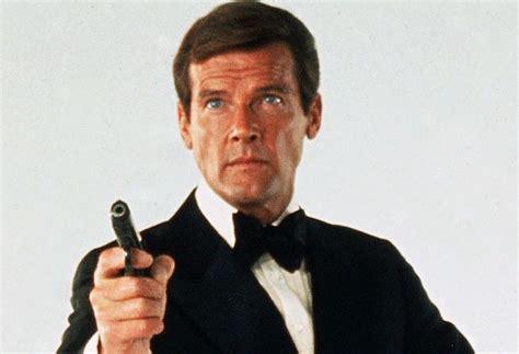 roger moore died roger moore dead at 89 james bond actor dies tvline