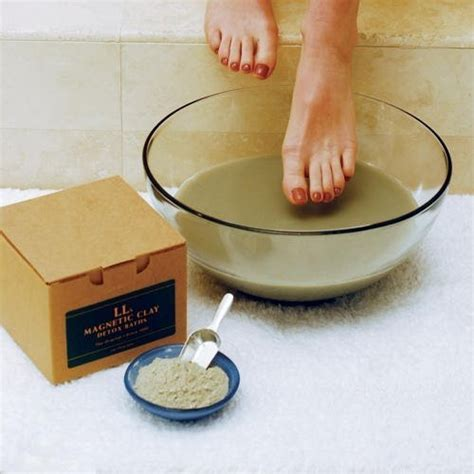 Radiation Detox Clay Bath by 6 Great Ways To Detox Your