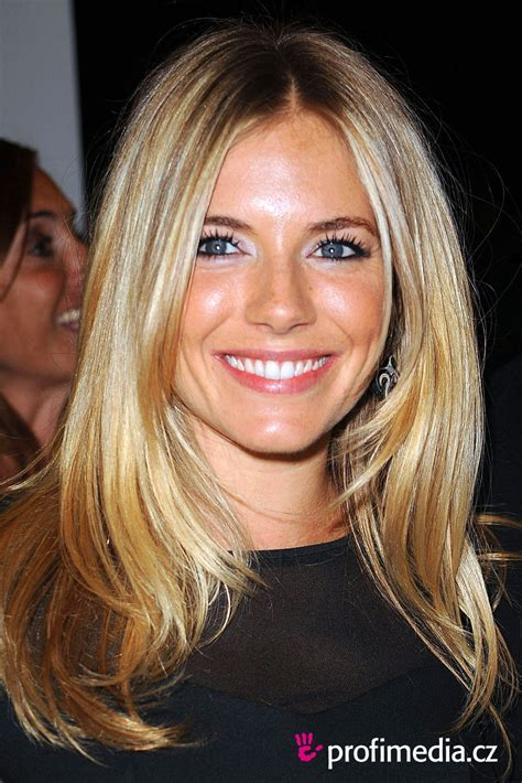 SIENNA MILLER hairstyle   BakuLand   Women & Man fashion blog