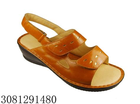 China Very Comfortable Ladies Pu Sandals China Sandals
