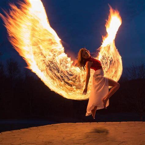 beautiful light painting    young woman rising