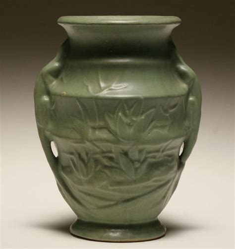 Mccoy Pottery Vases Values by 25 Best Ideas About Mccoy Pottery Vases On