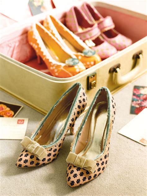 diy fabric shoes diy shoe refashion using fabric craftfoxes