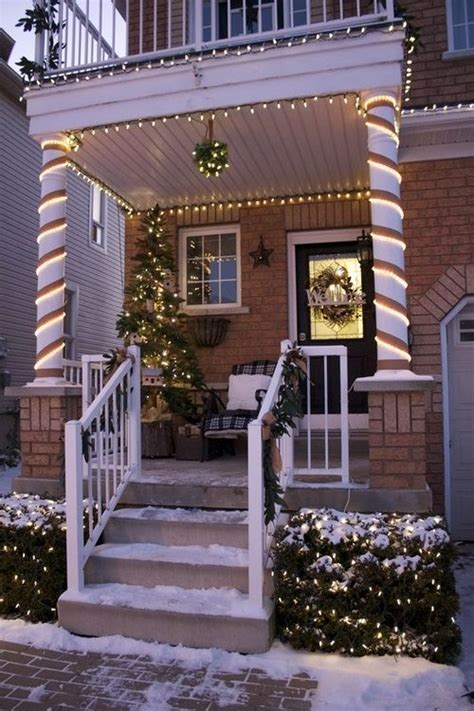easy christmas porch lighting ideas really want a house just so i can put up lights outside crafting for holidays