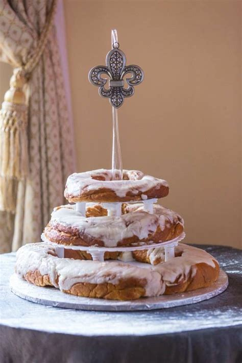 New orleans wedding cakes   idea in 2017   Bella wedding