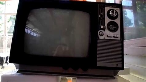 when did the color tv come out samsung color tv 1979