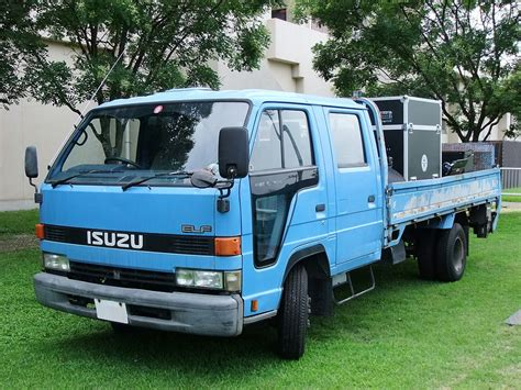 widebody truck file isuzu elf 4th gen dobule cab widebody type jpg