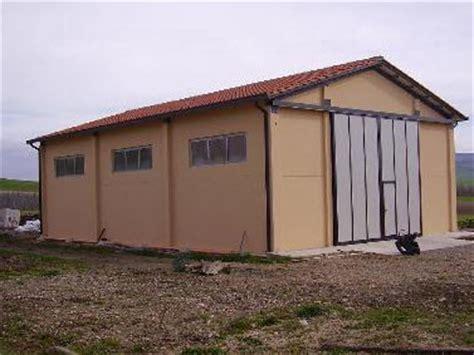 costo costruzione capannone prefabbricato prefabbricati agricoli in toscana