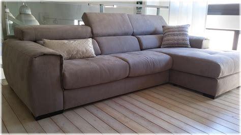divani grigio offerta divano in tessuto con penisola grigio scuro