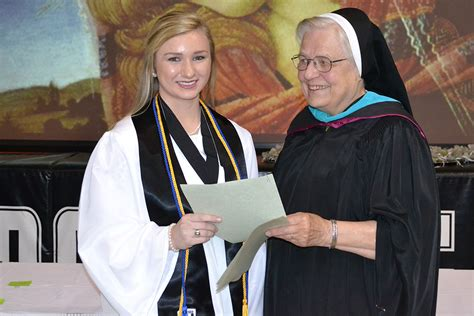Lsus Mba Graduate With Honors by Lsu Admissions Essay