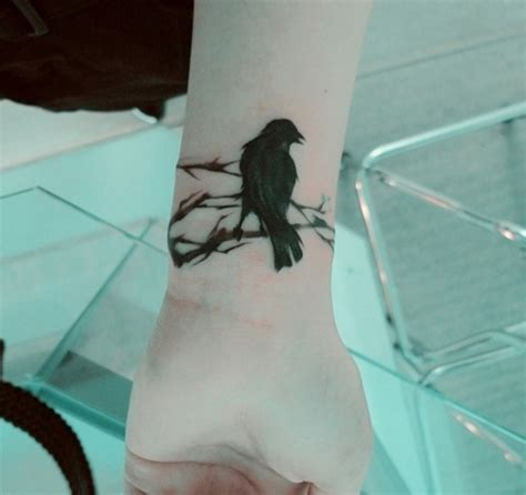 black bird tattoos black bird tattoos pictures to pin on tattooskid